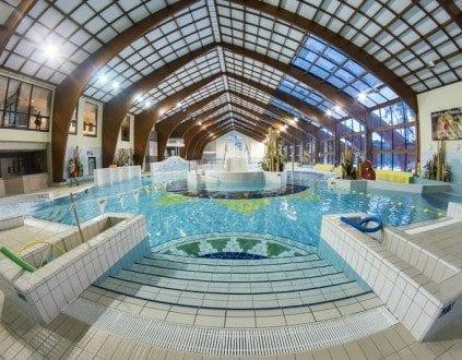 Kryta Pływalnia Delfin - basen Kozienice