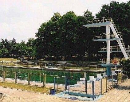Zespół Basenów Kąpielowych Jelenia Góra (fot. mosjg.pl)