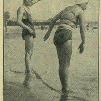Dziatwa poznańskich szkół uczy się pływać