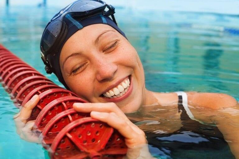 Odchudzanie na basenie – dlaczego tak najlepiej?