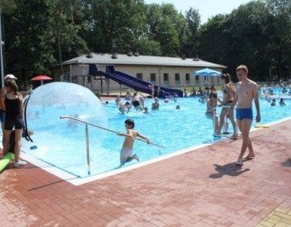 Basen Kąpielowy w Bartoszycach (fot. bosir.pl)