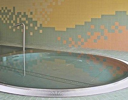 Basen Chojnow Plywalnia
