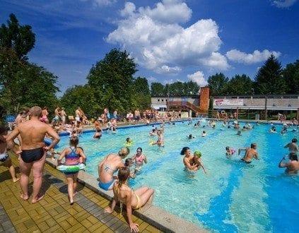 Pływalnia Letnia Tarnów (fot. tosir.com.pl)