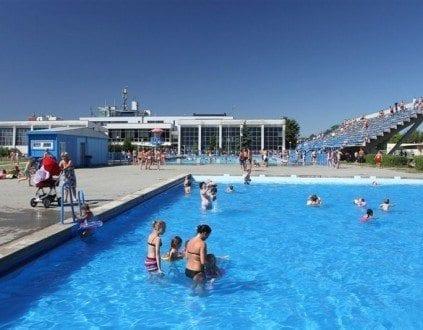 Pływalnie Letnie Chwiałka w Poznaniu