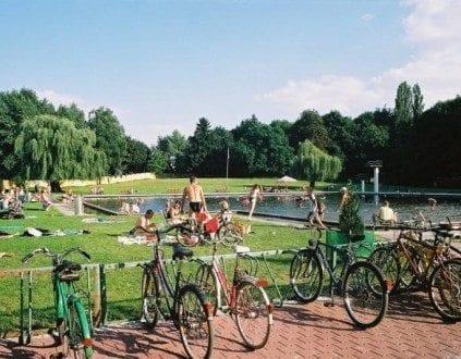 Basen Letni w Parku Miejskim - Jawor