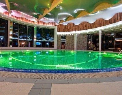 Basen Hotelu Unitral w Mielnie (fot. unitral.pl)
