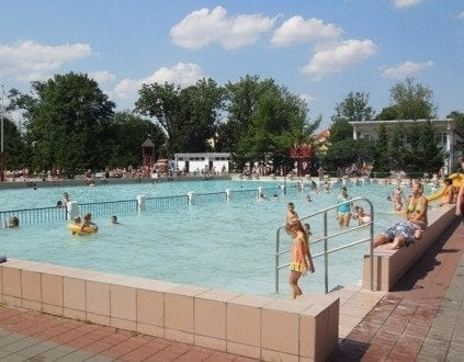 Pływalnie Odkryte MORiW - basen Grudziądz