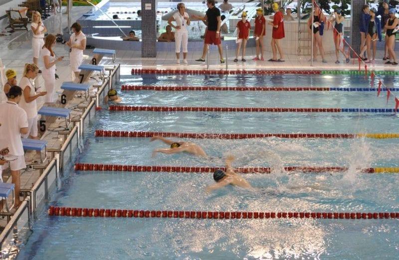 Mały festiwal pływacki w H2Ostróg
