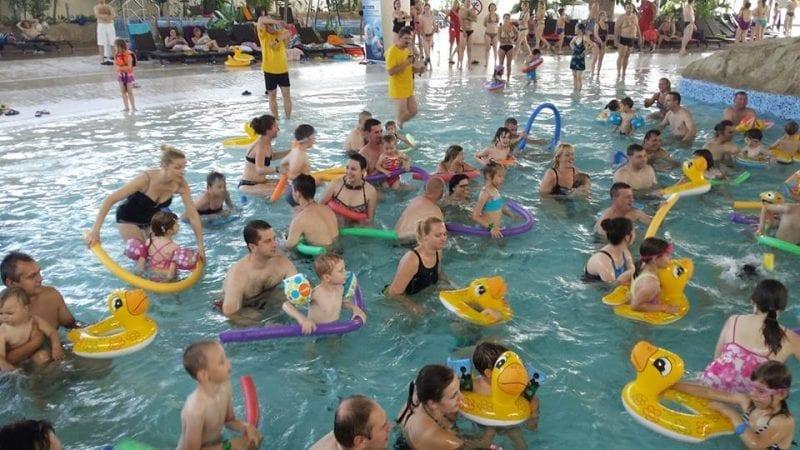 Rekord Guinnessa na Największą Lekcję Pływania na Świecie pobity!