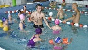 Zajęcia nauki pływania w H2Ostróg w Raciborzu