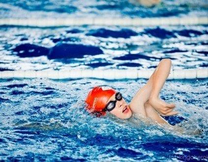 Nauka Plywania Dla Dzieci Na Basenie