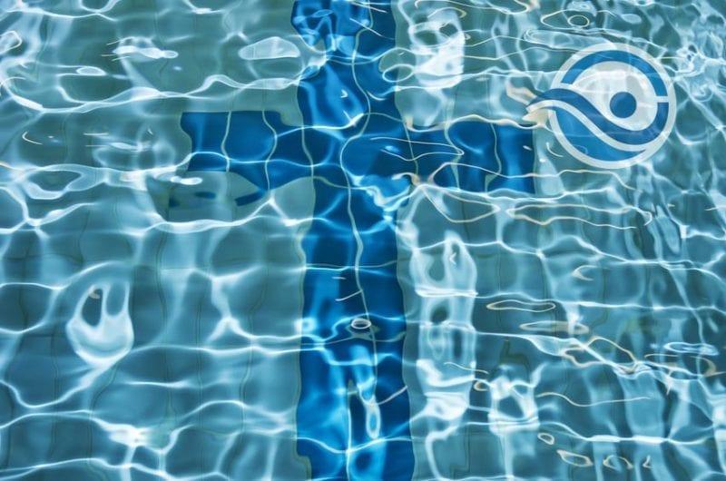 czy woda jest niebieska