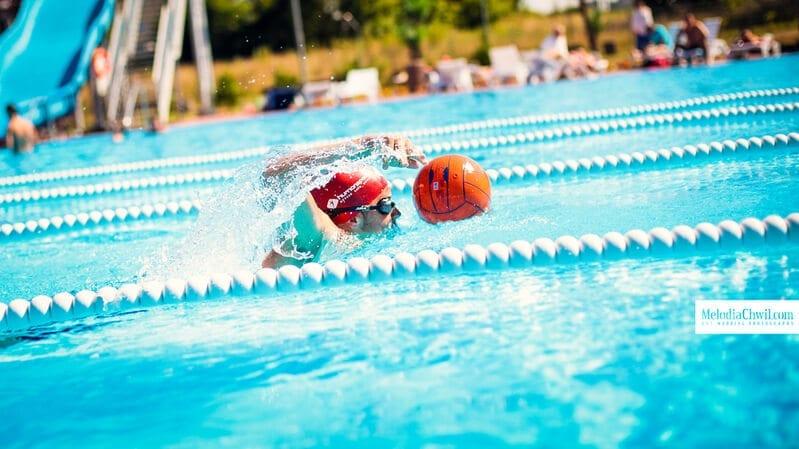 human-sport-wakacje-plywanie