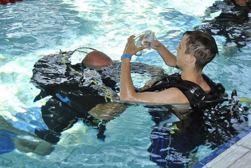 Letnie nurkowanie w basenie H2Ostróg