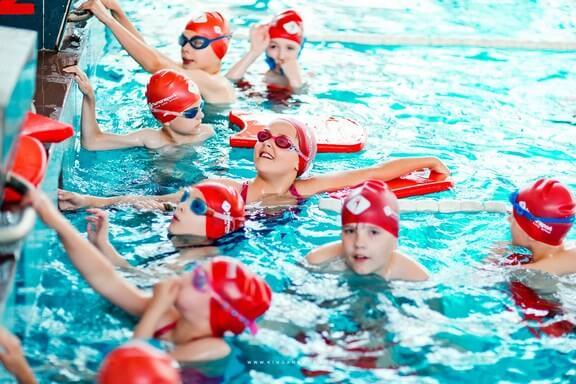 doskonalenie-plywania-dla-dzieci