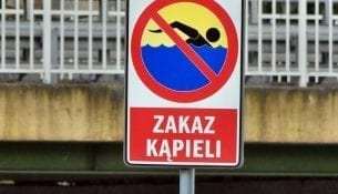 sinice-w-baltyku-zakaz-kapieli