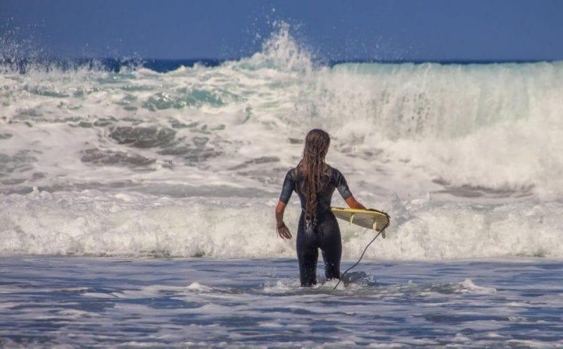 jak-wybrac-pianke-na-surfing