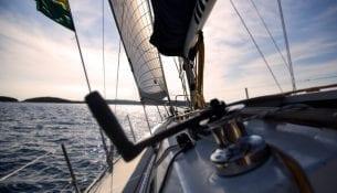 jak-wybrac-jacht-do-czarteru