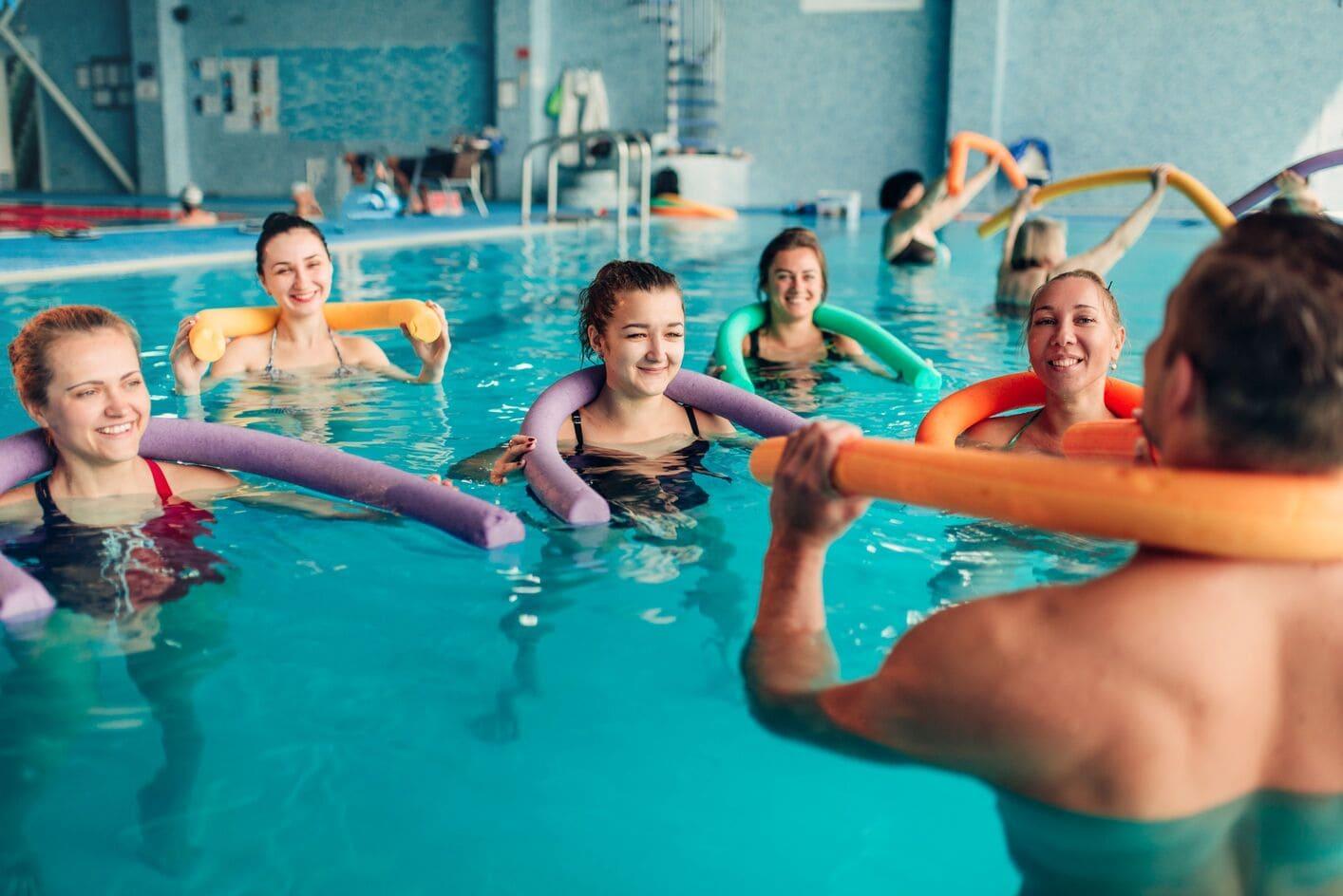 Dlaczego warto zapisać się na zajęcia aqua-aerobik